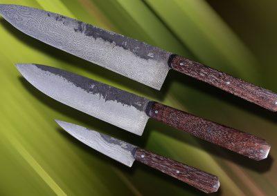 Set de cuisine, acier damas 180 couches, manches en palissandre, taille de lames 21-14-09 cm.